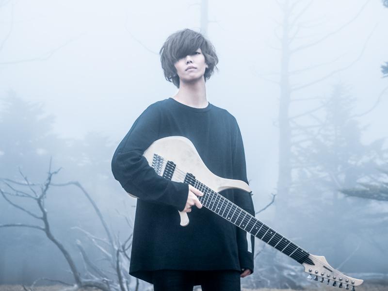 世界初の回転音ゲー「Rotaeno」内楽曲『無彩色のディストピア』ギター担当
